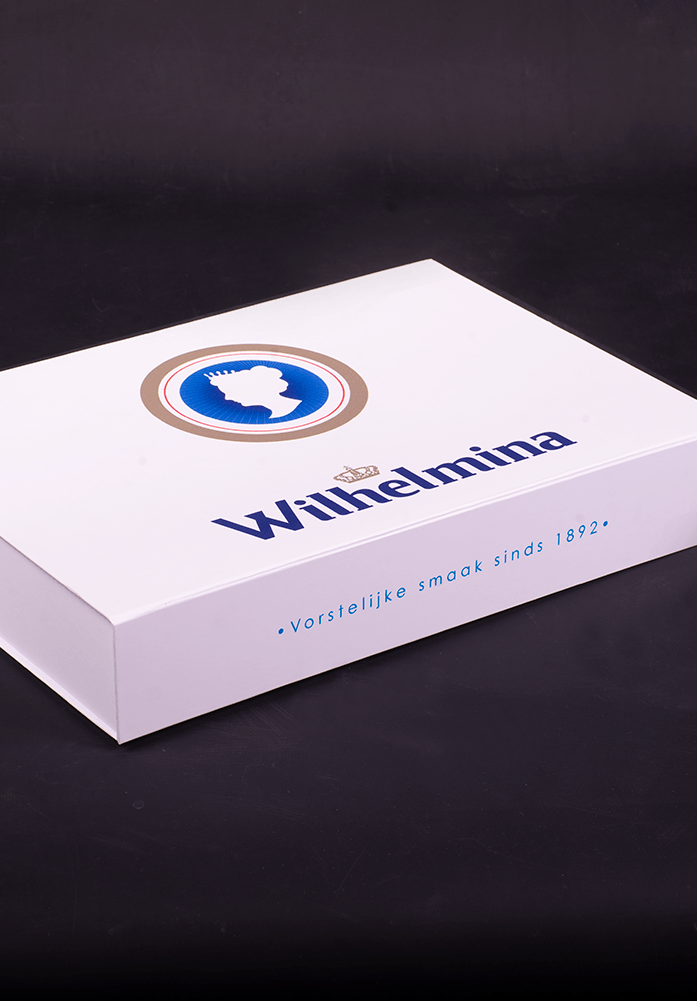 proud-packaging-wilhelmina-1-697x1001
