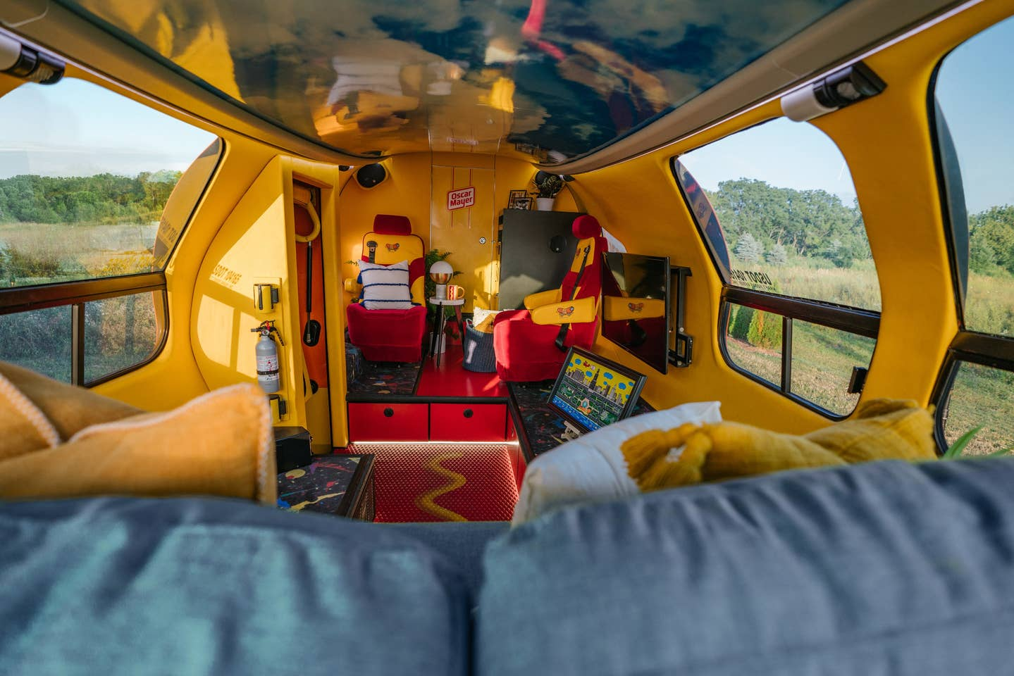 wienermobile_airbnb_4