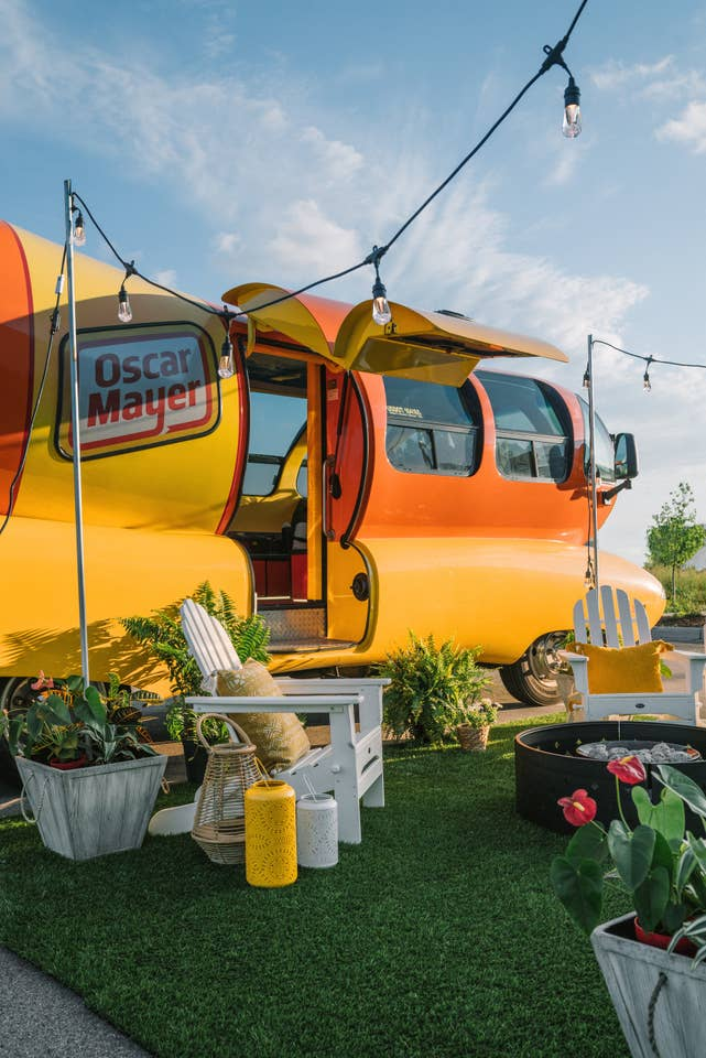wienermobile_airbnb_7